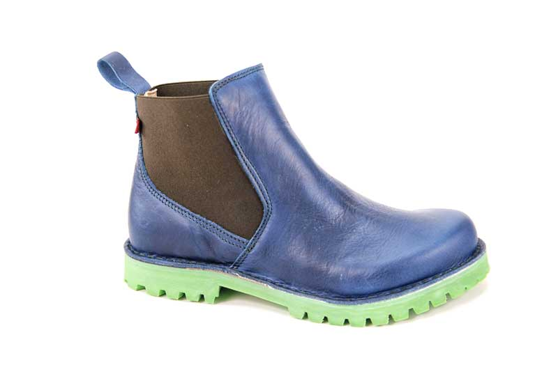 GRÜNBEIN  SUSANNE ANKLE-HIGH CHELSEA BOOTS WITH ELASTIC INSERTS  If classic Chelsea boots are too narrow, Susanne is just right