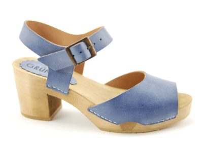 1201-036 Betty Roma FS18 blau AS